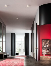 02.Linvisibile_Alba_Curved Hinged door_Lacquer finish